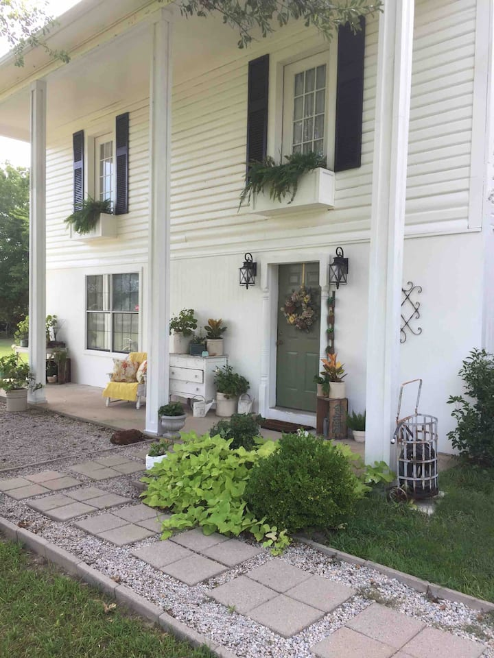 Eclectic Country Home and Garden