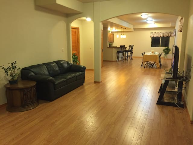 Beautiful and spacious unit near Air Force Academy - Colorado Springs - Apartament