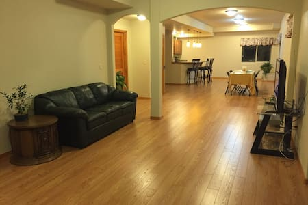 Beautiful and spacious unit near Air Force Academy - Colorado Springs