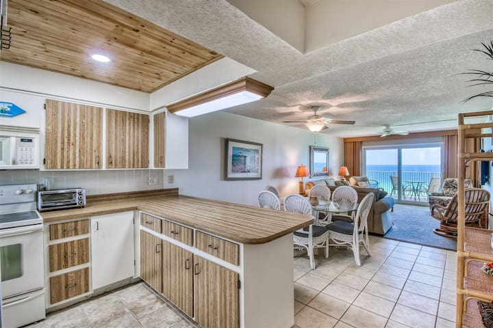 SEAS THE DAY - #1112 - 2 Bd 2 Ba - Gulf Front  - Walk-in Shower - FREE BEACH CHAIRS