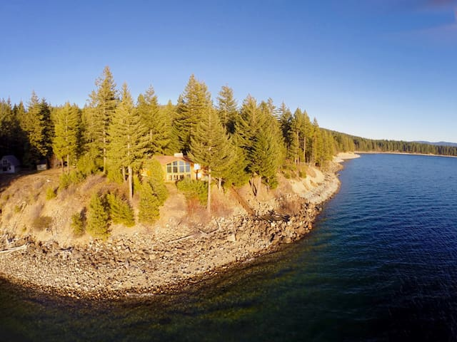 3rd Night FREE! Waterfront Home with Amazing View-Game Rm-Hot Tub-Nr Suncadia