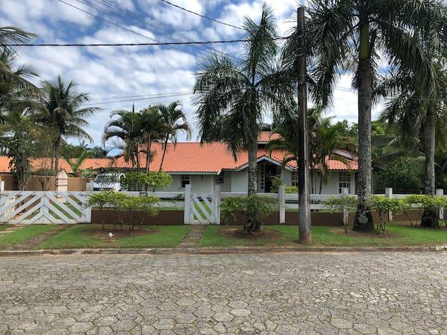 Casa  Condomínio Morada da Praia Segurança total.
