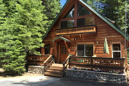 Cozy &Sophisticated cabin 2 blocks from Lake Tahoe - Blockhütte