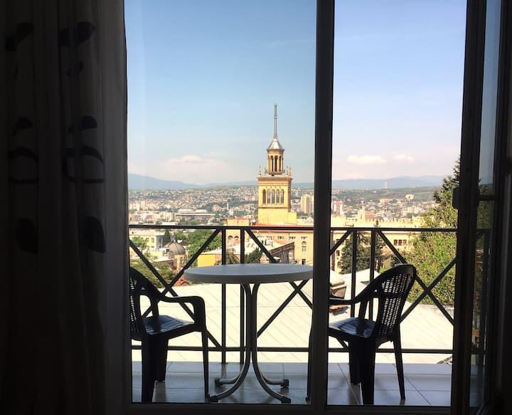 Zemeli Wings - 2BR Apartment Tbilisi City Centre