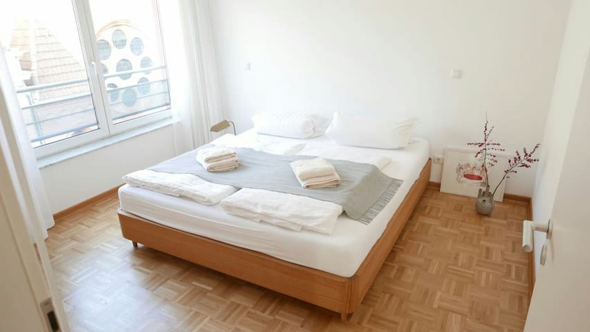 Bright room in the heart of Berlin-Mitte