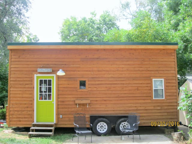 Beautiful Tiny House Perfect for Your Getaway - Loveland - Guesthouse