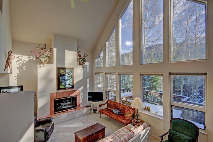 FREE SkyCard Activities - Peaceful Setting, Gas Fireplace, Large Game Room - Aspen House