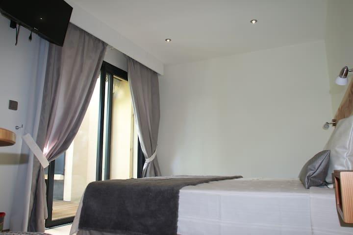 Chambre de 14 m² accès terrasse