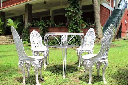 Homestay in a coconut grove - Masinagudi - Bed & Breakfast