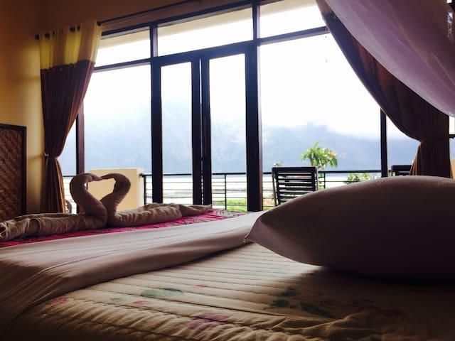Bali Lake Side Cottages (Superior Room)