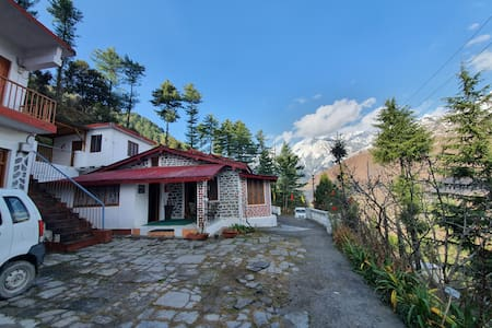 Dream Mountain Deluxe Rooms, Joshimath