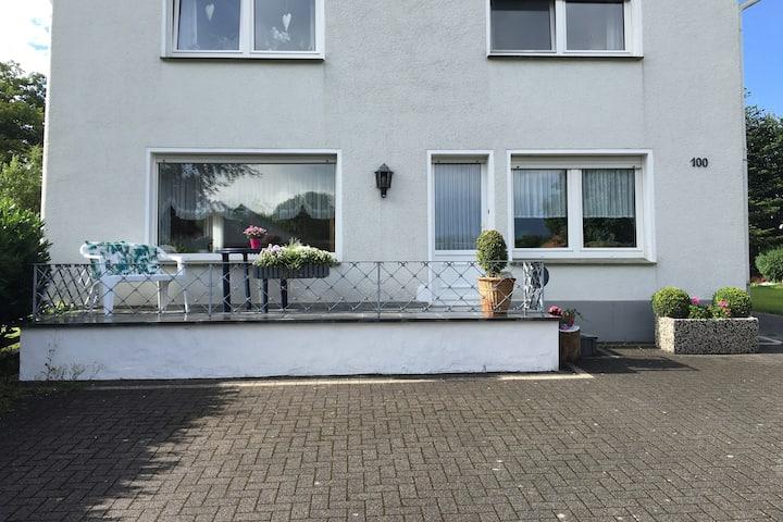 Ganze Wohnung | Per Auto nur 5 Min zum Möhnesee