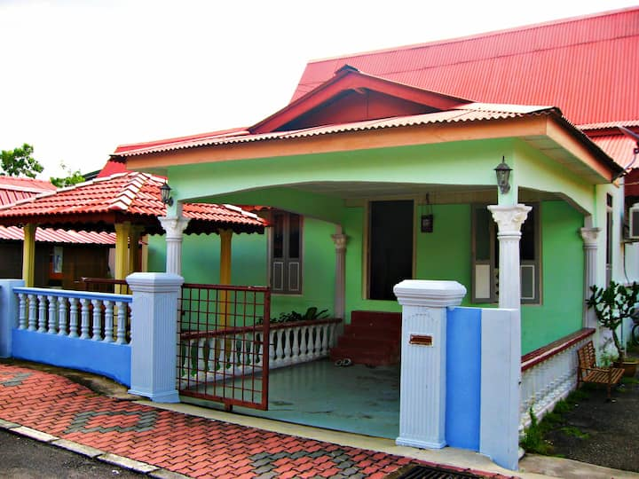 D'Laila Historic Village Homestay