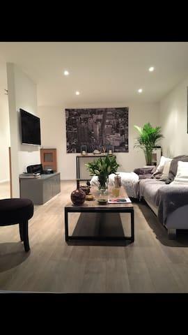 Jolie 2P de 52 m2 proche du centre! - Grasse - Appartement
