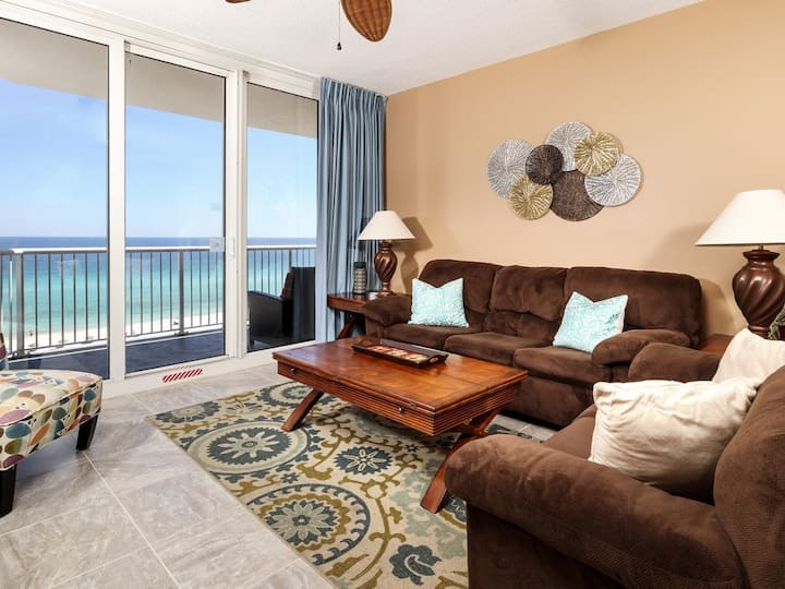 7th Floor Lovely Condo w/ Outdoor Pool Heated Seasonally, On The Beach