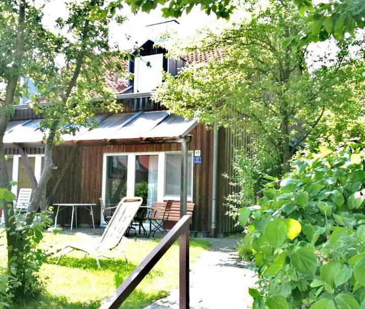 Ferienhäuser Schlossberg (Zandt), Ferienhaus Marianne - haustierfrei mit Kaminofen und Terrasse