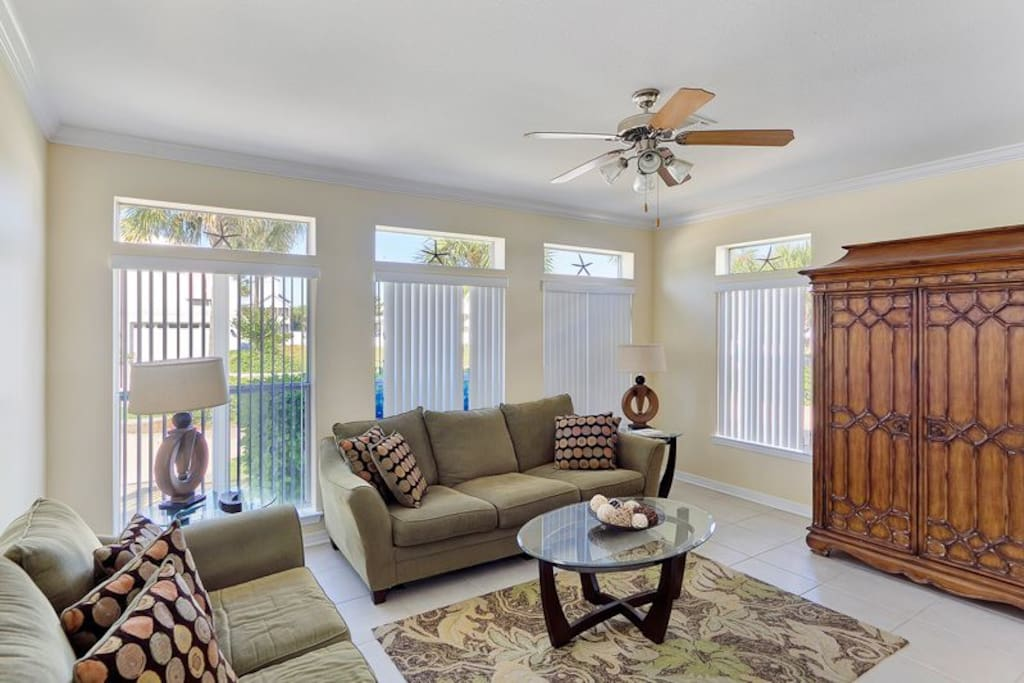 Great living room space for large or multiple families to enjoy.