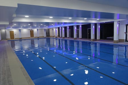 2 Bed apartment (6) free Leisure Facilities*