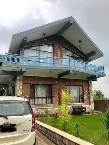 Foothill Villa with Scenic Views-Budget Stay for 2