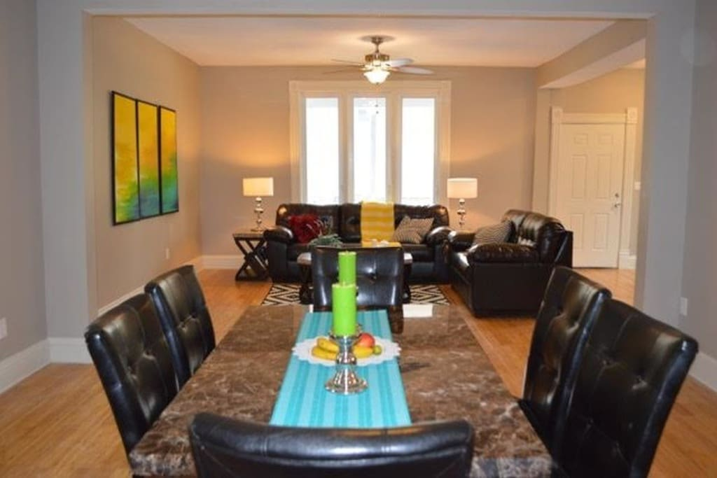 Dinining room and living room, large enough for any family
