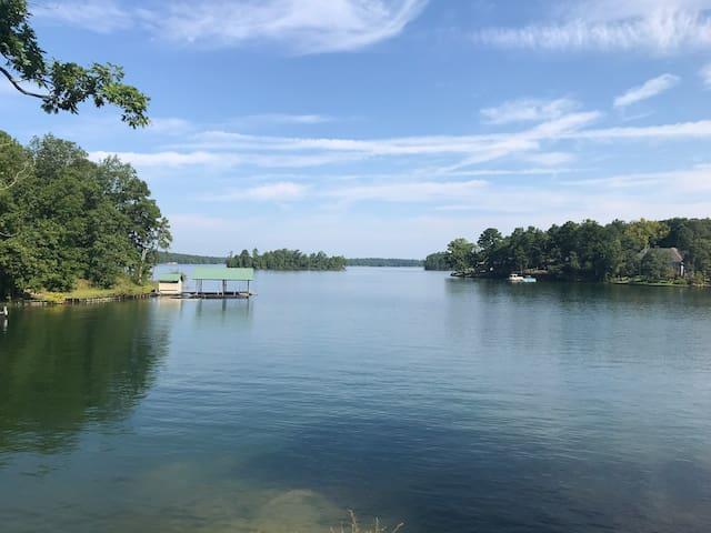 Spring & Summer 2020 open -Lake Martin cabin!