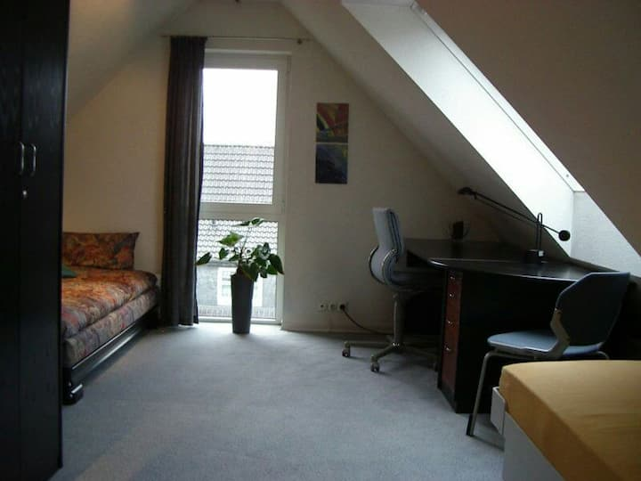 1 Room Zimmer 10 min to Messe Fair