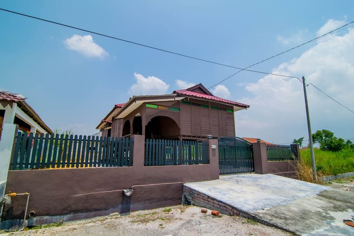 Lost World of Tambun, Bercham, Ipoh Wooden House - Ipoh - Hus