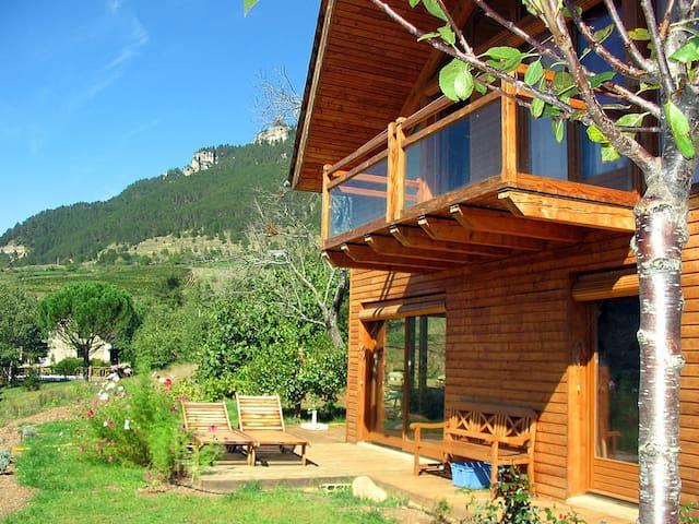 Maison en bois - gorges du Tarn - Ispagnac