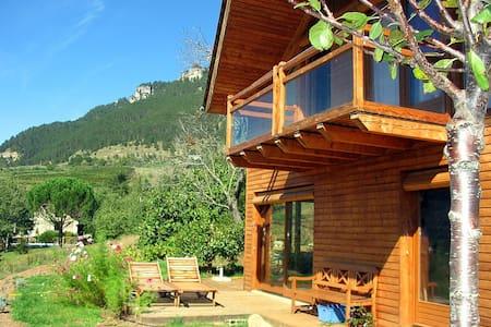 Maison en bois - gorges du Tarn - Ispagnac - Bungalo