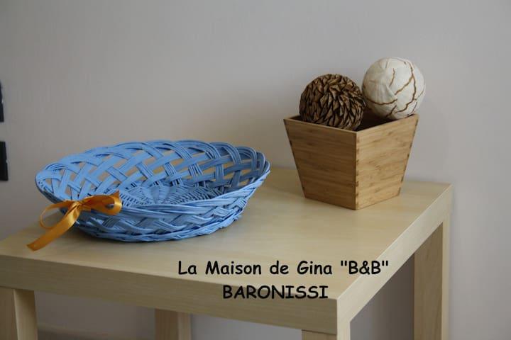 """FamilyRoom x6 """"La Maison de Gina""""  Bed & Breakfast - BARONISSI - Wikt i opierunek"""