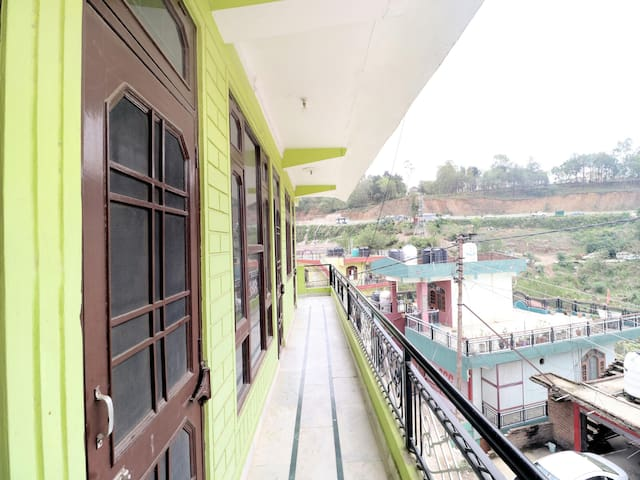 Tranquil 2BHK Abode in Solan, Kasauli