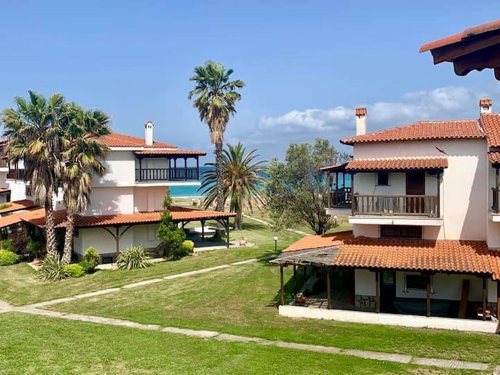 Villa Fourka 2 on the beach in Chalkidiki Greece