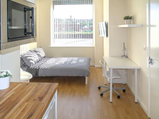 Studio Apt nr City Centre & Football - Liverpool - Apartment