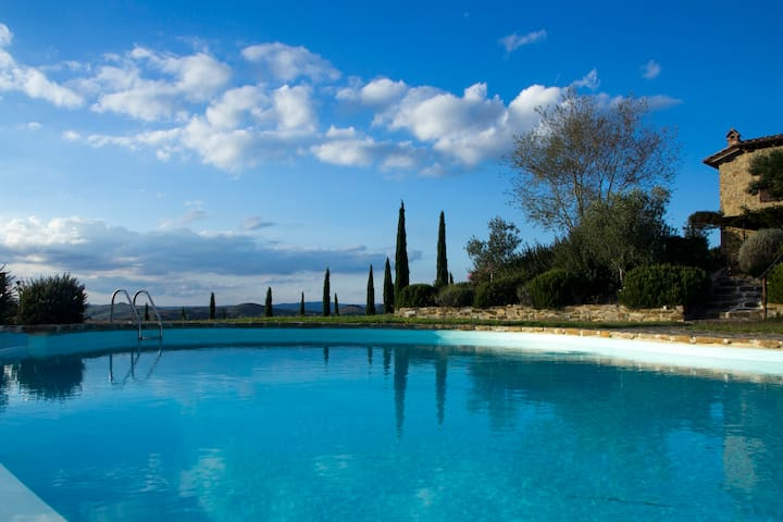 Panoramic house in the Crete Senesi - Provincia di Siena