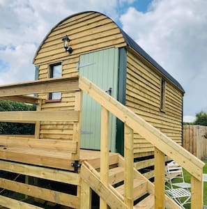 Shepherds hut   Greetham Horncastle Lincolnshire