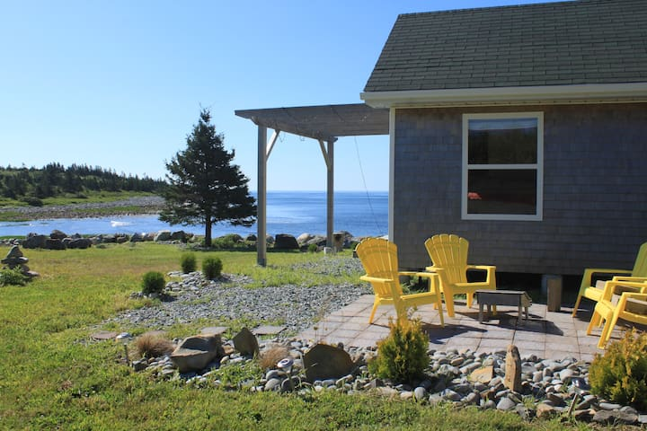Breakers Cove Seaside guest cottage