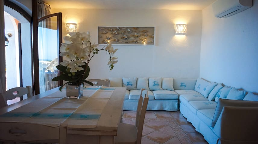 3 double bedrooms ensuite, swimming pool