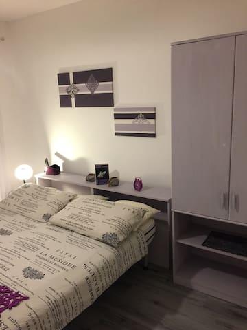 Stanza lavanda con  bagno privato - Caldonazzo - Casa