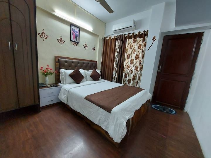 Elite AC Private Room BnB , Malad West