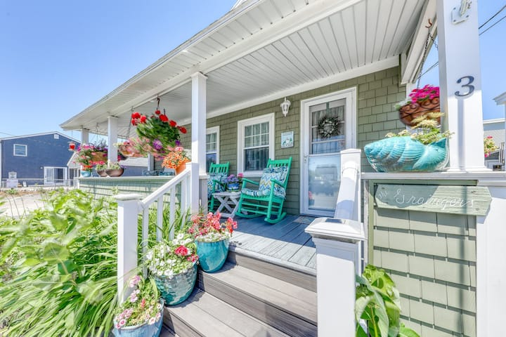 New listing! Beach home w/porch, backyard, shared grill, and picnic area