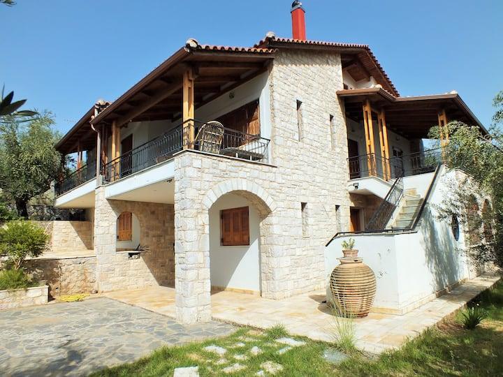 Mantinies Olive Villa