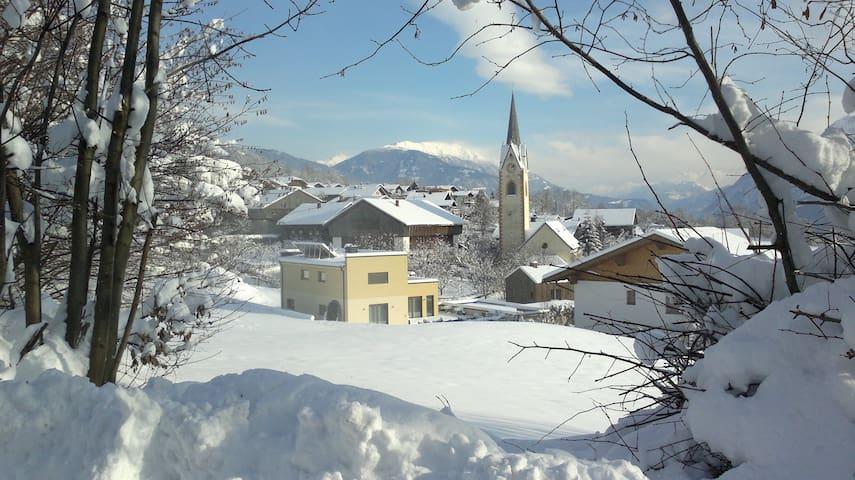 """Sonnige Ferienwohnung """" Dolomitenpanorama"""" - Oberlienz"""
