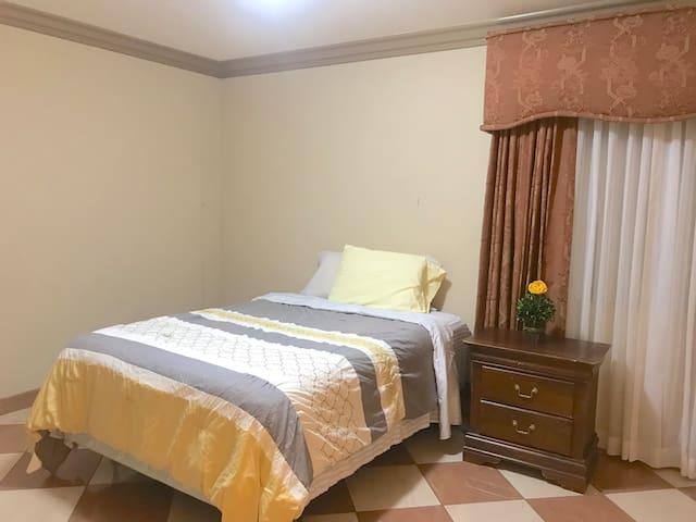 A4 - Spacious & Quiet Room @ Rosemead