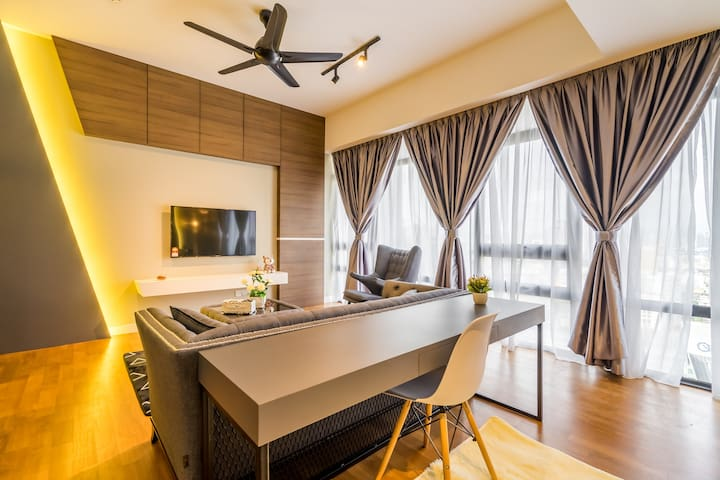Modern Studio Suite near KLCC Area + City view