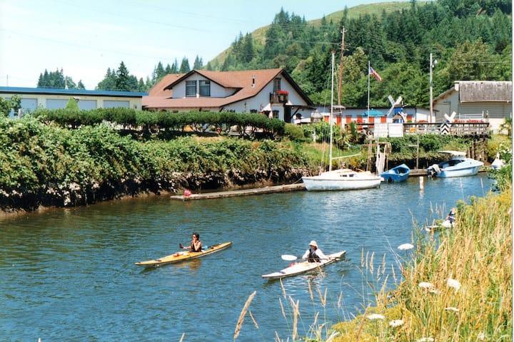The Clatskanie River Hideaway