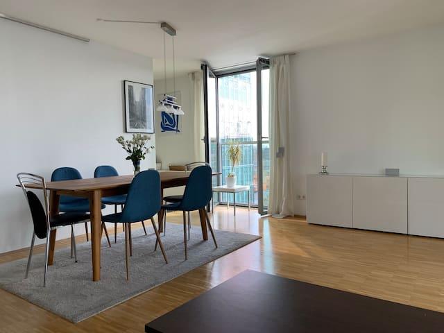 Premium equipped & light-flooded 2room apartment