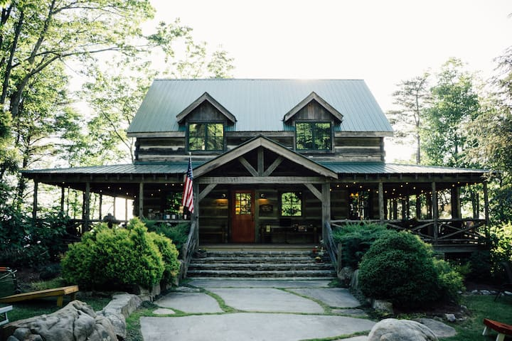 Lookout Mtn Cabin on 45 acre farm near Chattanooga