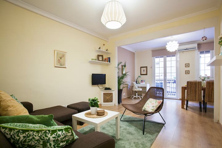 Family-Friendly, 2 minutes from Passeig de Gracia
