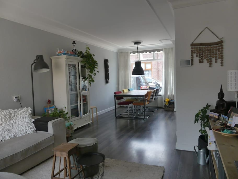 Livingroom and dining area