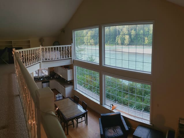 Skagit River Cottage w/ Patio, Views of Sauk Mtn.